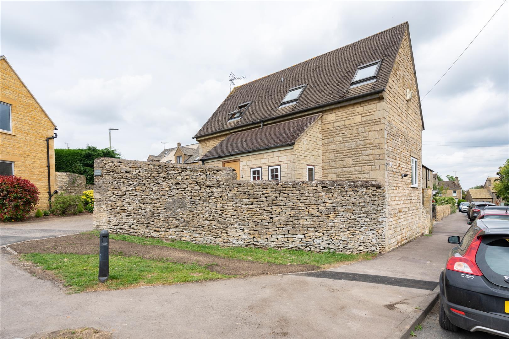 Corner Cottage-13.jpg